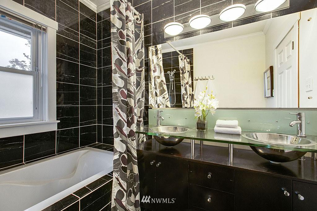Sold Property | 4731 4th Avenue NE Seattle, WA 98105 13