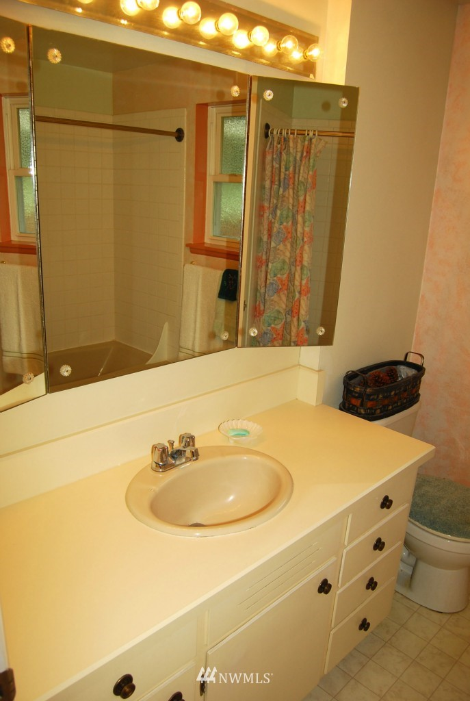Sold Property | 7105 44th Avenue E Tacoma, WA 98443 15