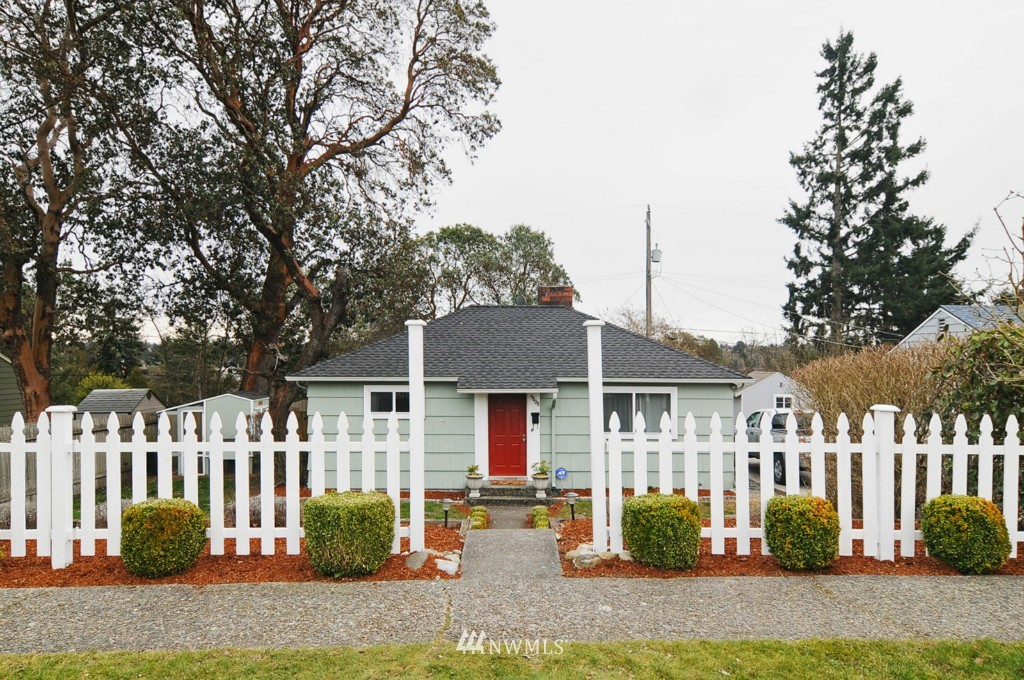 Sold Property | 9808 33rd Avenue SW Seattle, WA 98126 0