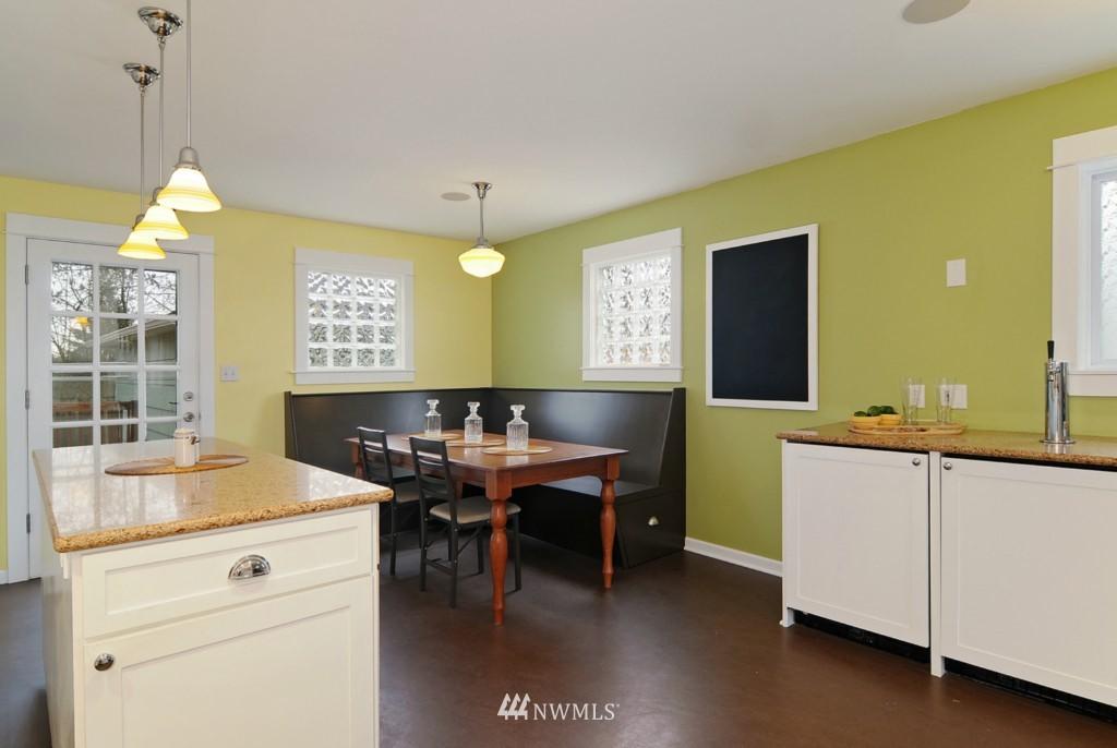 Sold Property | 9808 33rd Avenue SW Seattle, WA 98126 5