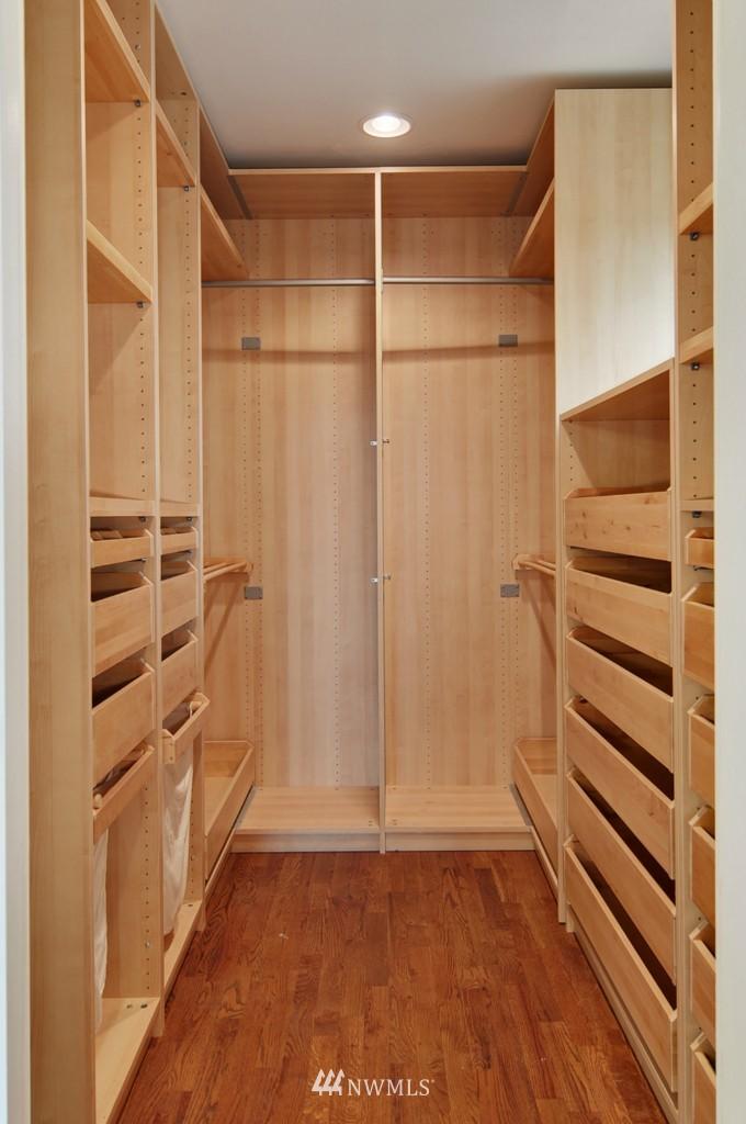Sold Property | 9808 33rd Avenue SW Seattle, WA 98126 8