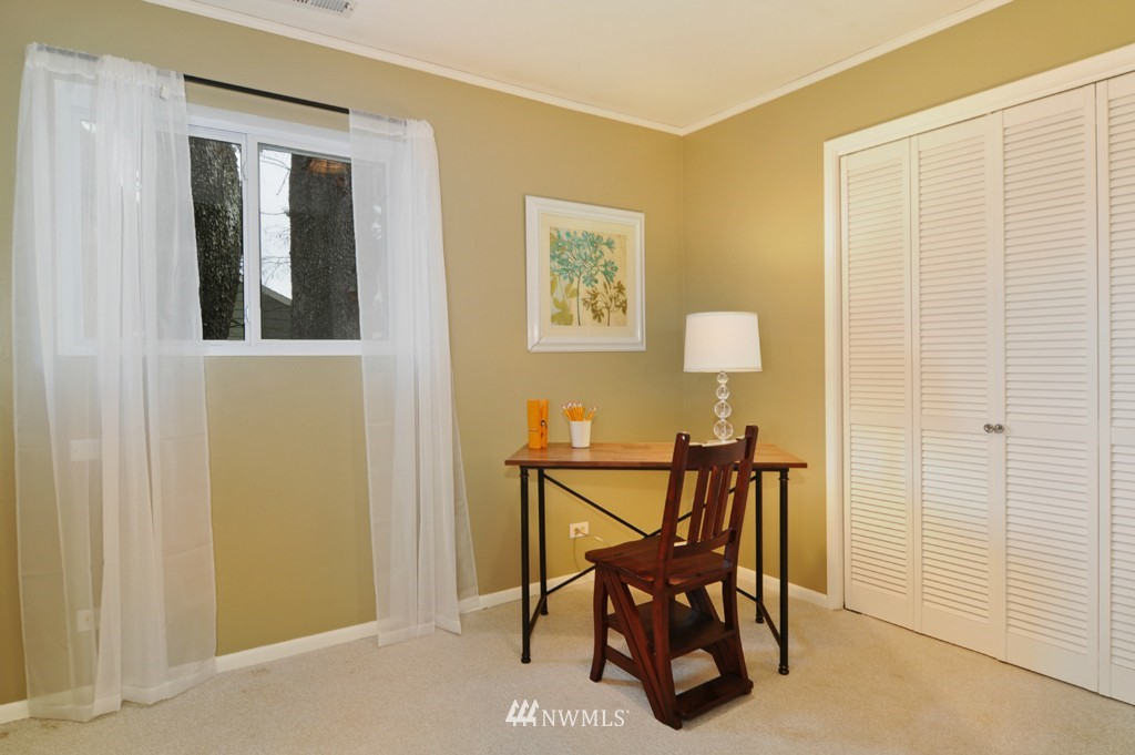 Sold Property | 9808 33rd Avenue SW Seattle, WA 98126 11