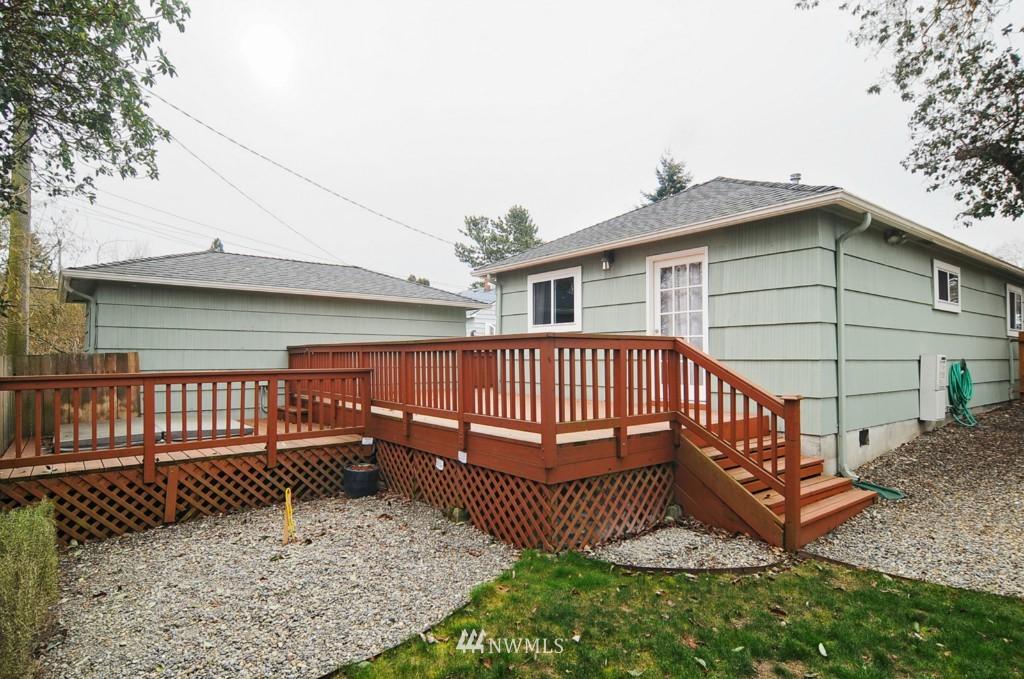 Sold Property | 9808 33rd Avenue SW Seattle, WA 98126 13