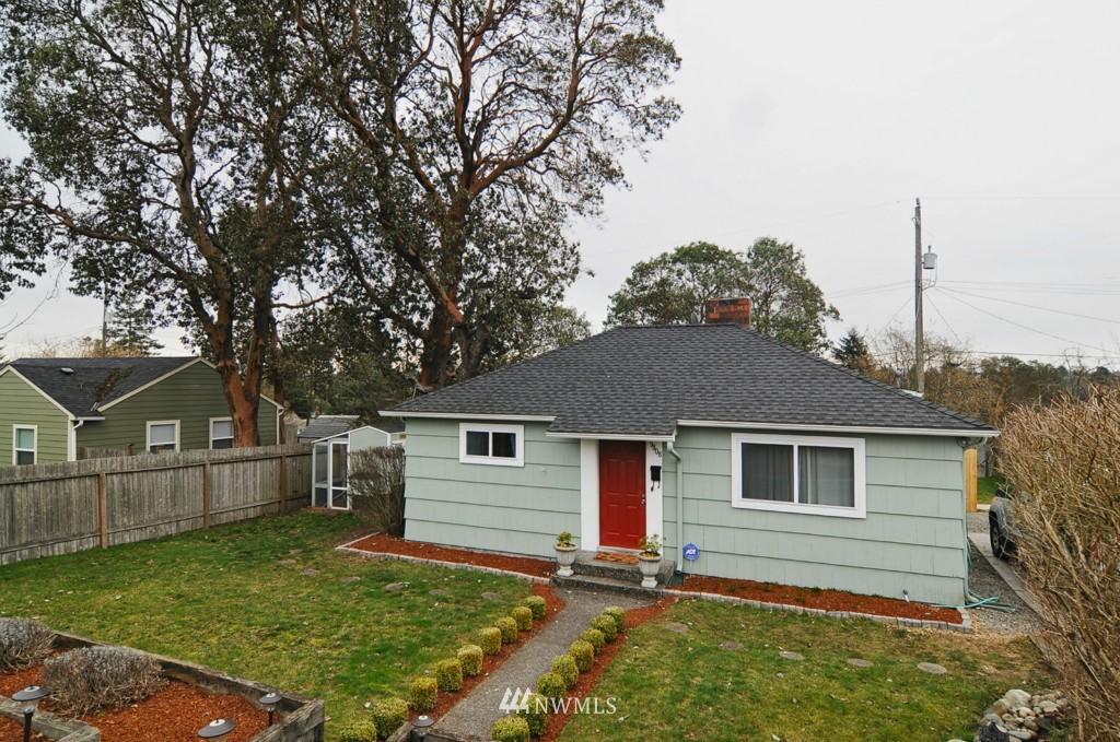 Sold Property | 9808 33rd Avenue SW Seattle, WA 98126 18