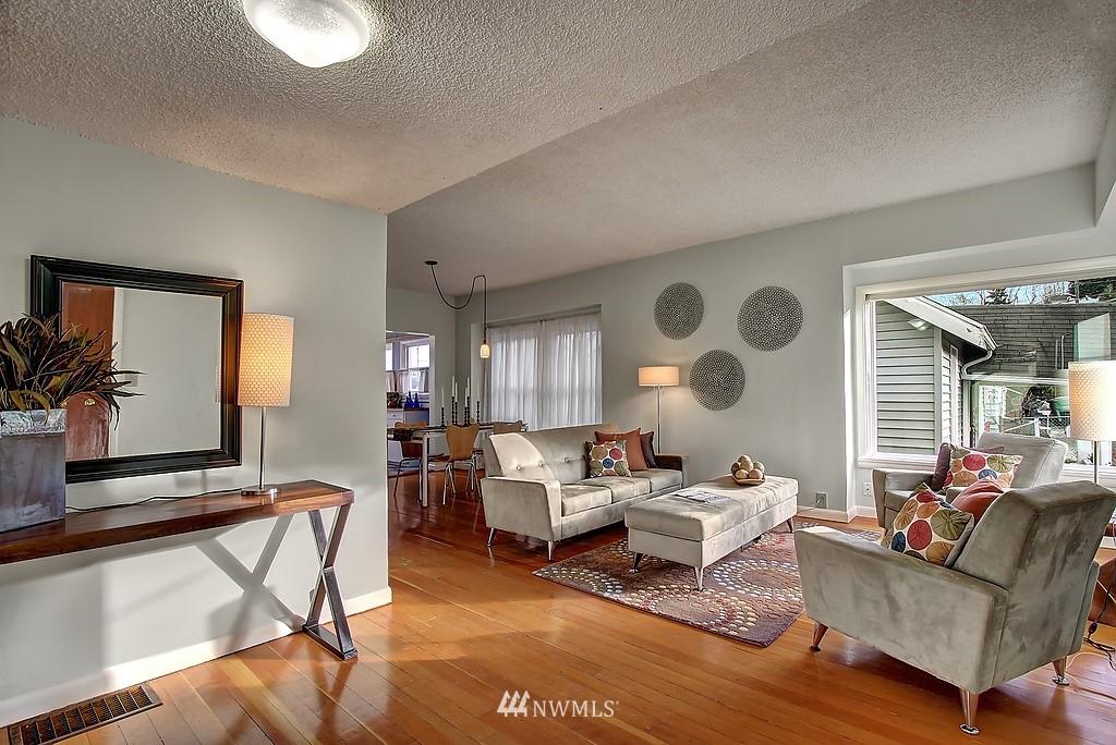 Sold Property | 3310 20th Avenue S Seattle, WA 98144 2