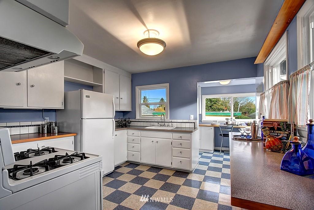 Sold Property | 3310 20th Avenue S Seattle, WA 98144 5