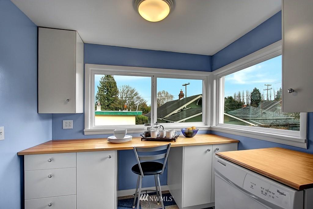 Sold Property | 3310 20th Avenue S Seattle, WA 98144 6