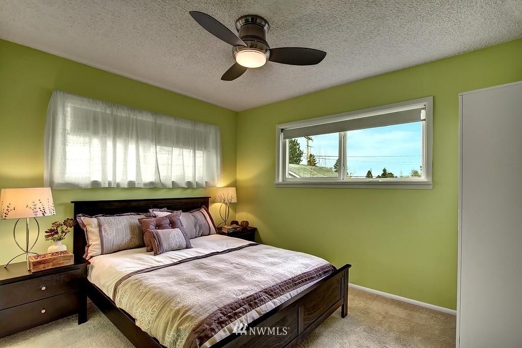 Sold Property | 3310 20th Avenue S Seattle, WA 98144 8