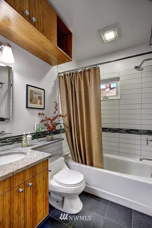 Sold Property | 3310 20th Avenue S Seattle, WA 98144 9