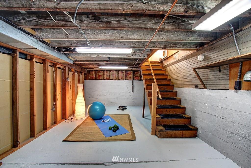 Sold Property | 3310 20th Avenue S Seattle, WA 98144 11