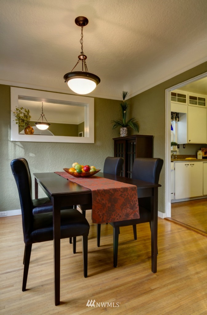 Sold Property   8038 17th Avenue NE Seattle, WA 98115 3