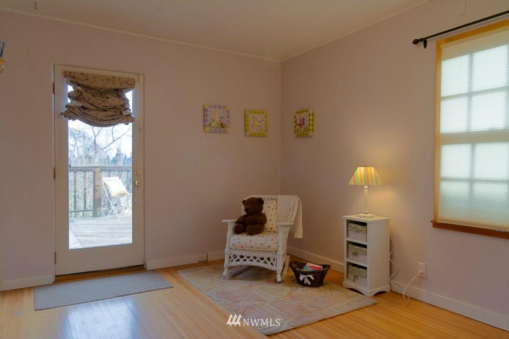 Sold Property   8038 17th Avenue NE Seattle, WA 98115 6