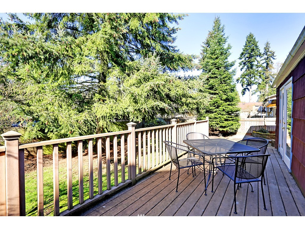 Sold Property   18017 Linden Avenue N Shoreline, WA 98133 11