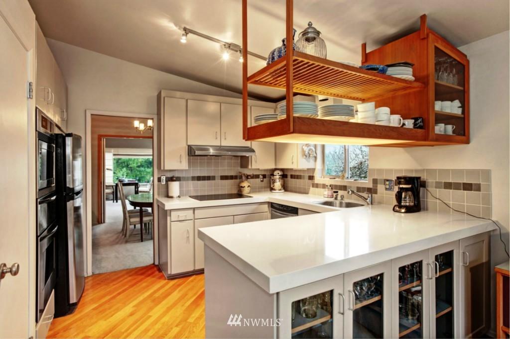 Sold Property | 2814 25th Avenue W Seattle, WA 98199 1