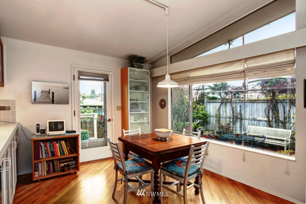 Sold Property | 2814 25th Avenue W Seattle, WA 98199 3