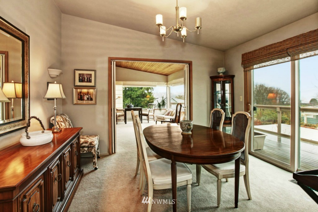 Sold Property | 2814 25th Avenue W Seattle, WA 98199 4