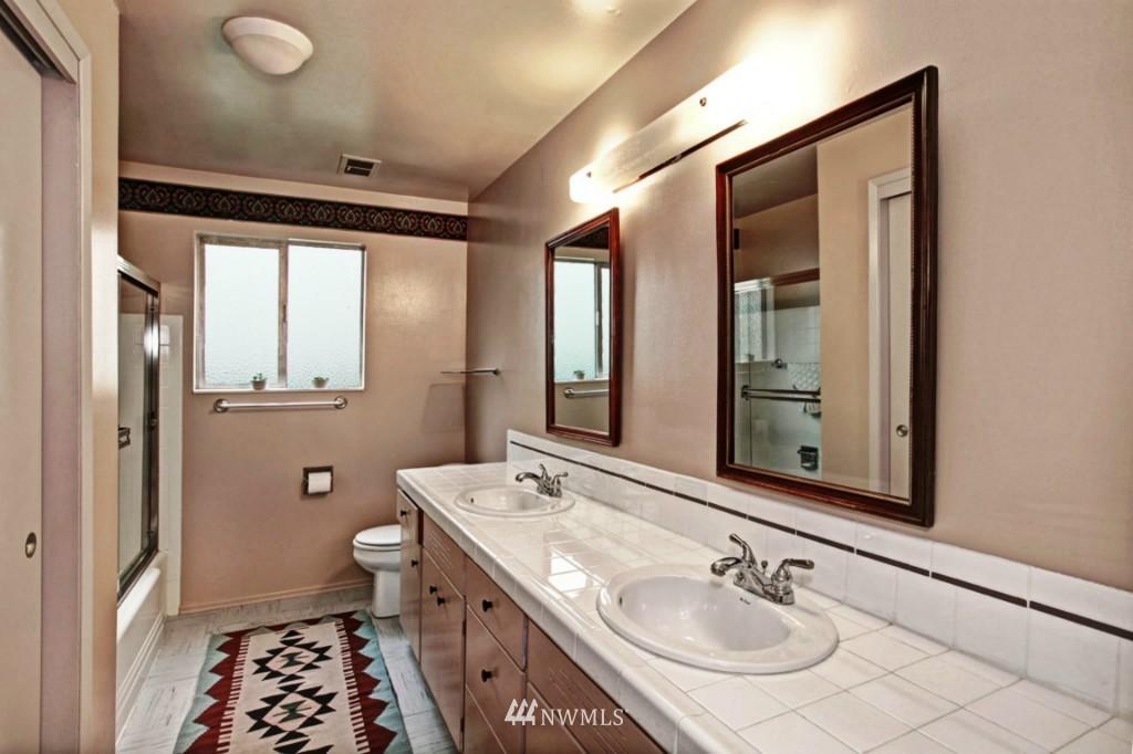 Sold Property | 2814 25th Avenue W Seattle, WA 98199 15