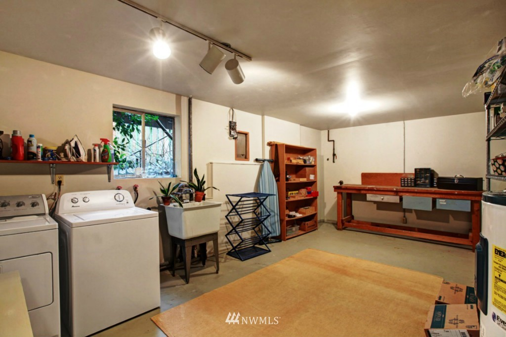 Sold Property | 2814 25th Avenue W Seattle, WA 98199 17