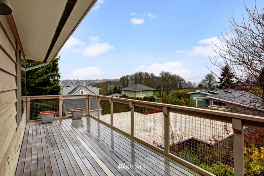 Sold Property | 2814 25th Avenue W Seattle, WA 98199 18