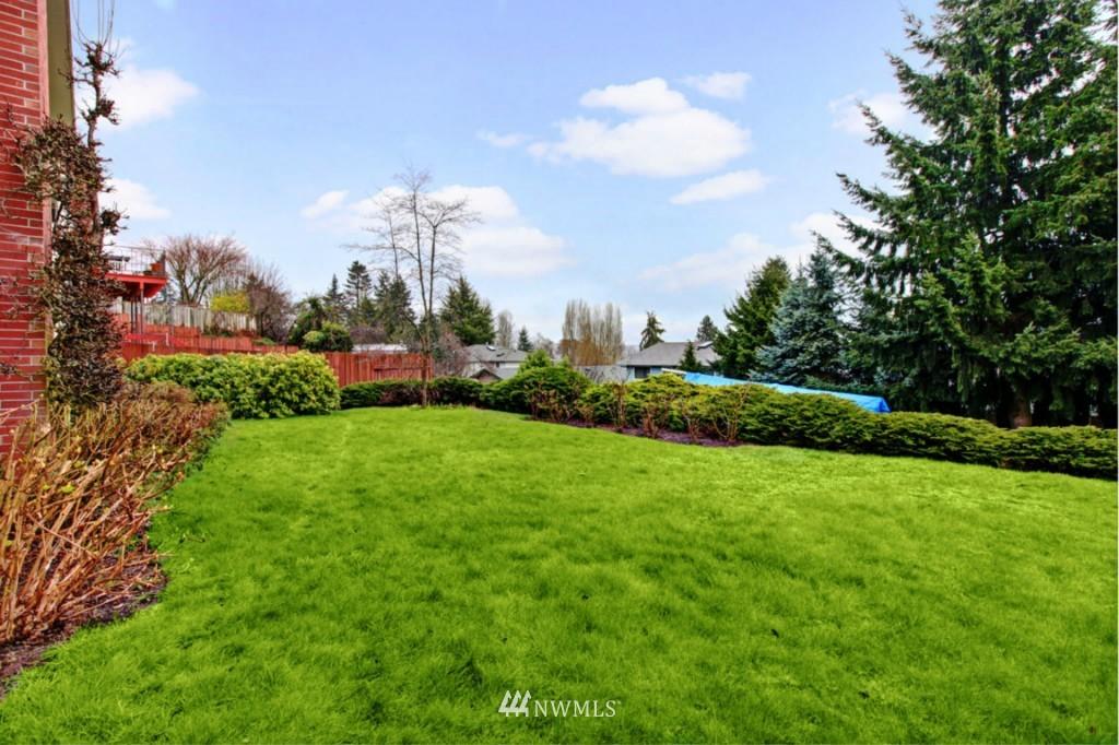 Sold Property | 2814 25th Avenue W Seattle, WA 98199 20