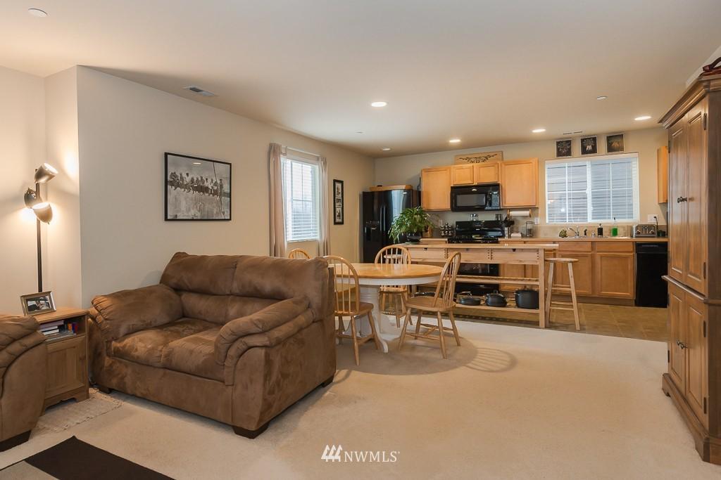 Sold Property | 871 5th  Place NE Issaquah, WA 98029 1