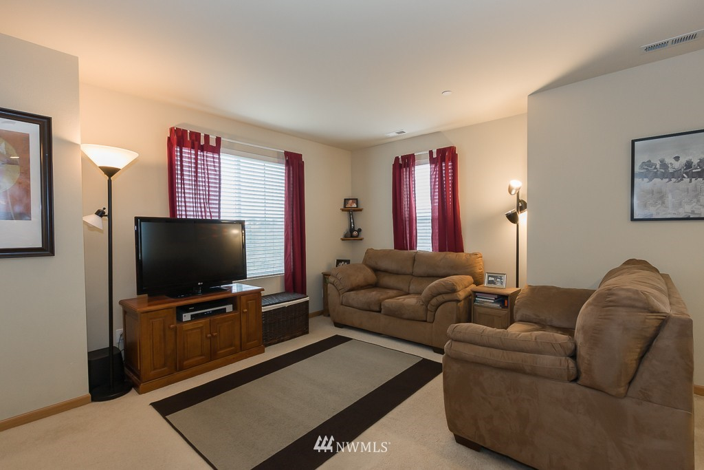 Sold Property | 871 5th  Place NE Issaquah, WA 98029 2