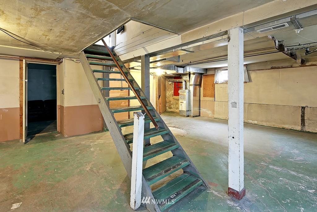 Sold Property | 7537 11th Avenue NE Seattle, WA 98115 13