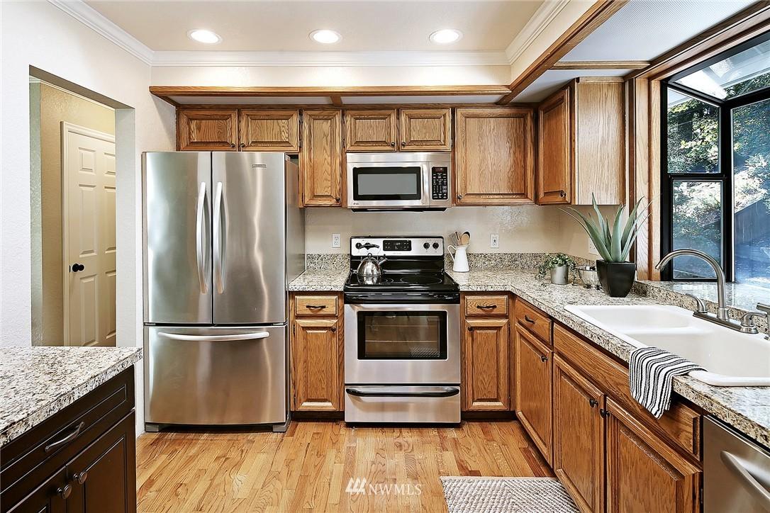 Sold Property   21120 Pioneer Way Edmonds, WA 98026 3
