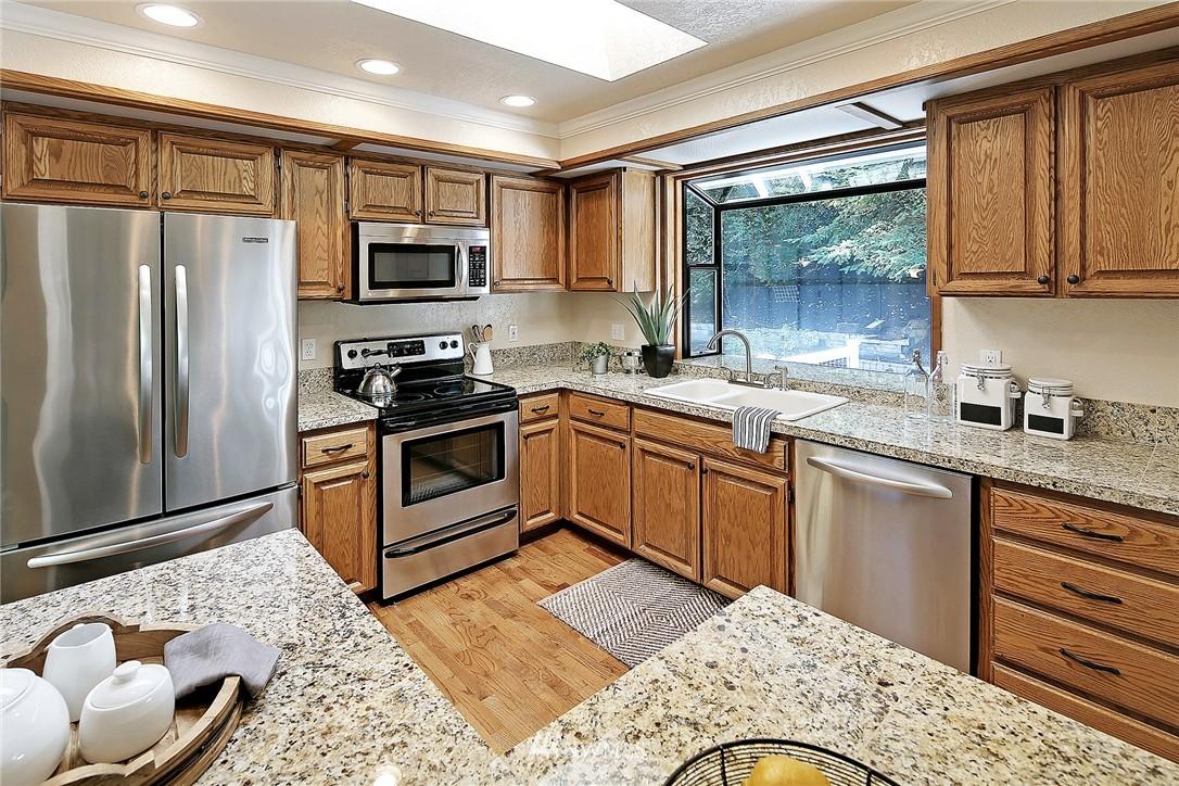Sold Property   21120 Pioneer Way Edmonds, WA 98026 4
