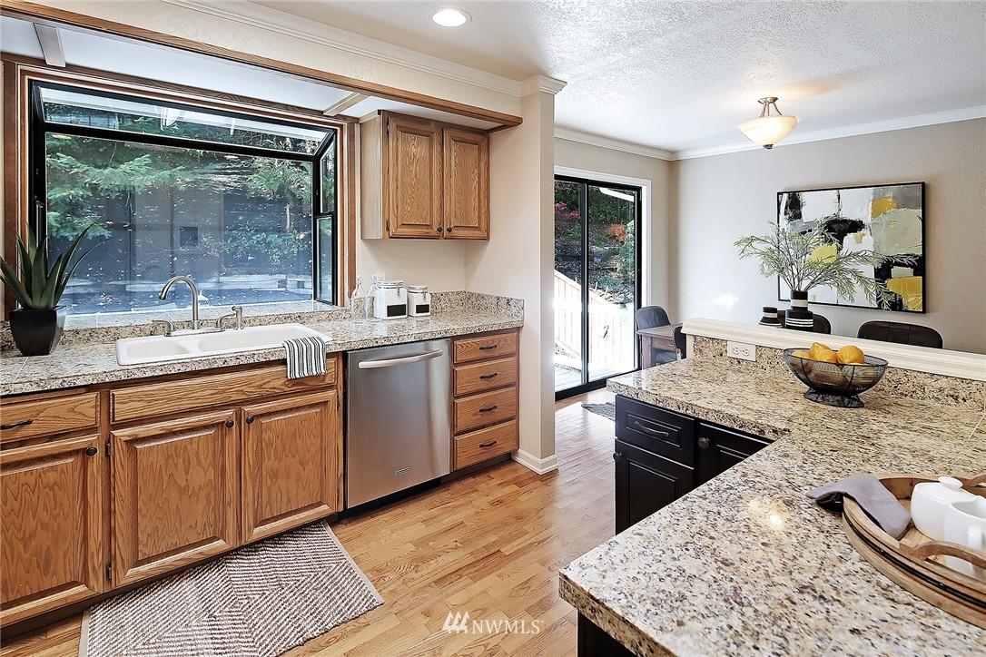 Sold Property   21120 Pioneer Way Edmonds, WA 98026 5