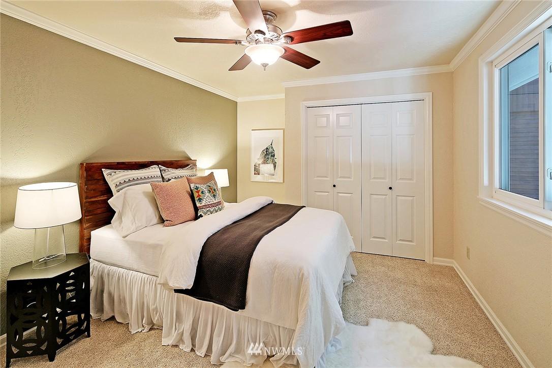 Sold Property   21120 Pioneer Way Edmonds, WA 98026 9
