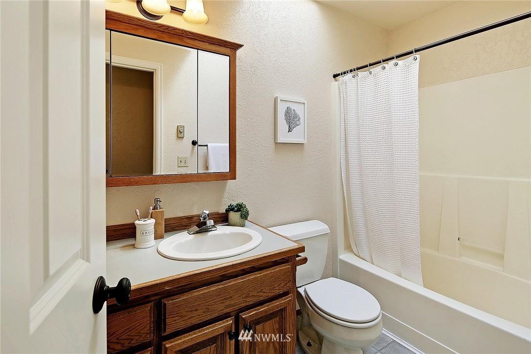 Sold Property   21120 Pioneer Way Edmonds, WA 98026 10
