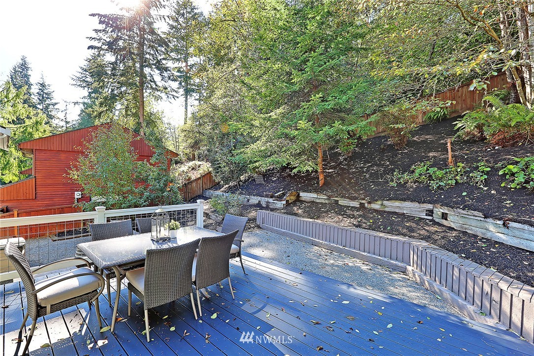 Sold Property   21120 Pioneer Way Edmonds, WA 98026 18