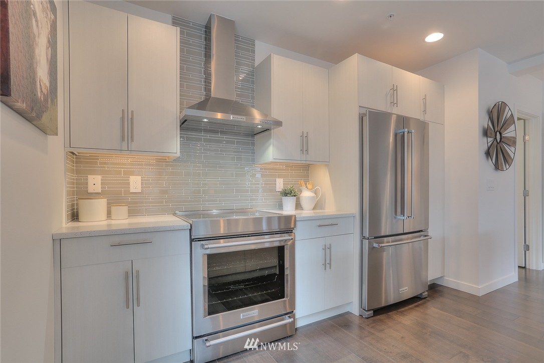 Sold Property | 5755 NE 63rd Street Seattle, WA 98115 8
