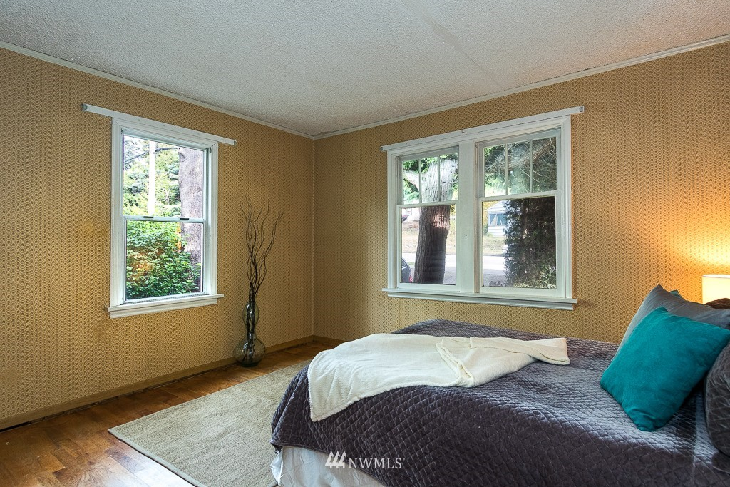 Sold Property | 11337 5th Avenue NE Seattle, WA 98125 6