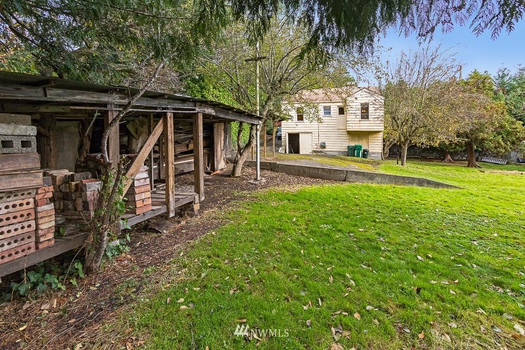 Sold Property | 11337 5th Avenue NE Seattle, WA 98125 12