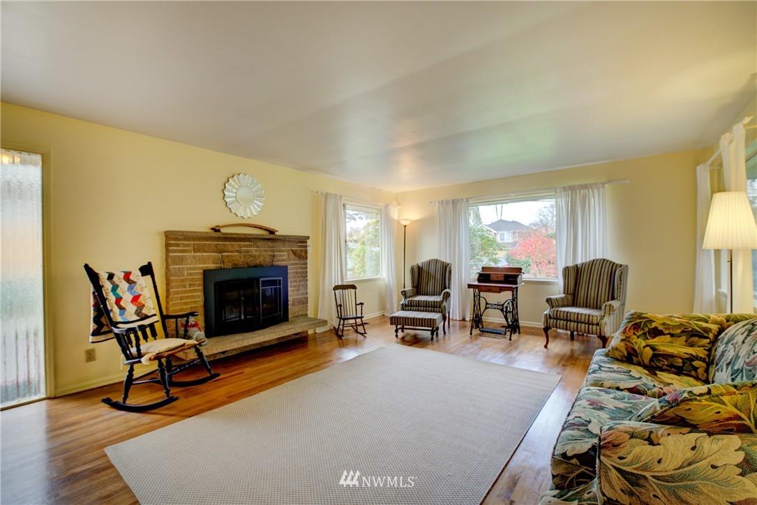 Sold Property   4035 NE 95th Street Seattle, WA 98115 2