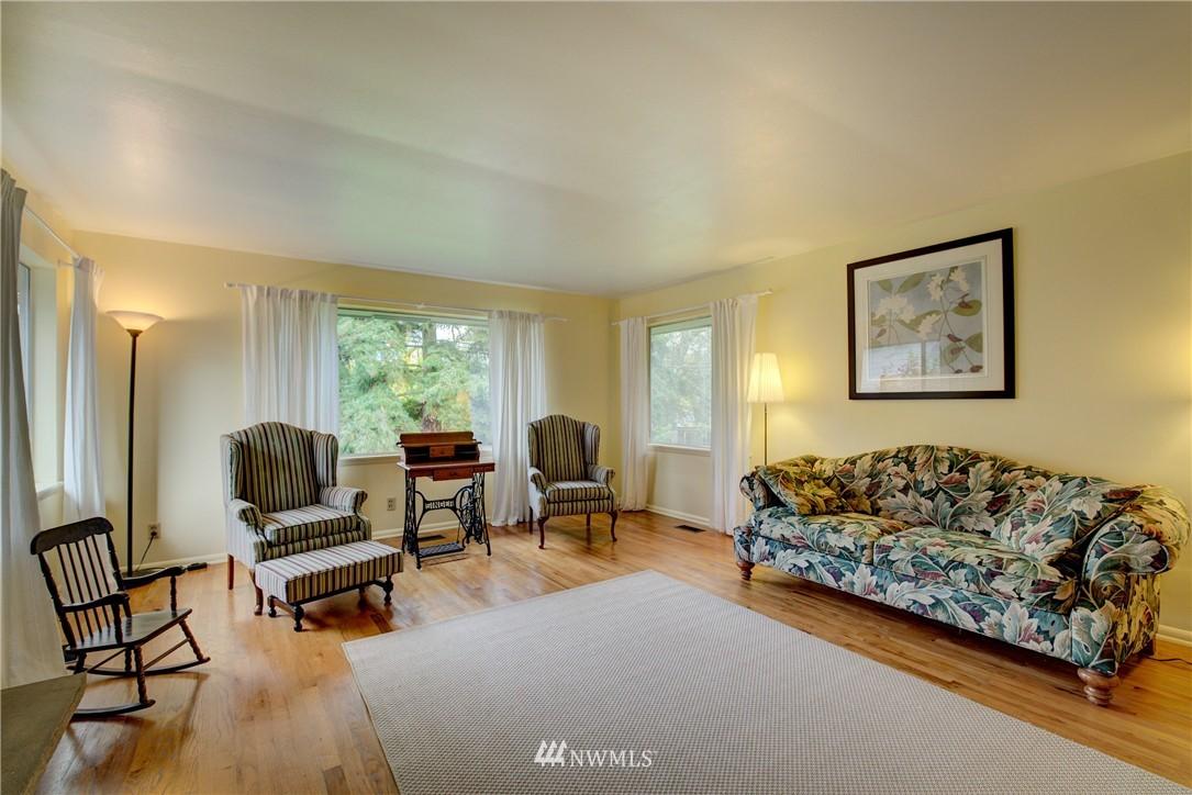 Sold Property   4035 NE 95th Street Seattle, WA 98115 3
