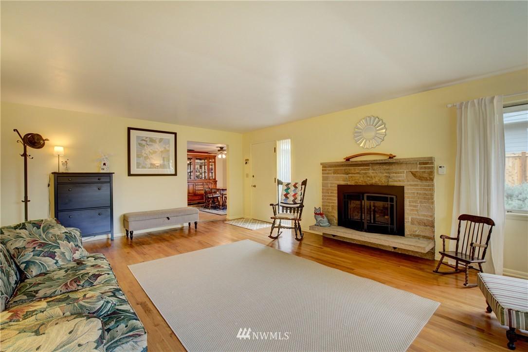 Sold Property   4035 NE 95th Street Seattle, WA 98115 4