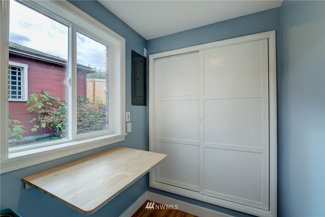 Sold Property   4035 NE 95th Street Seattle, WA 98115 10