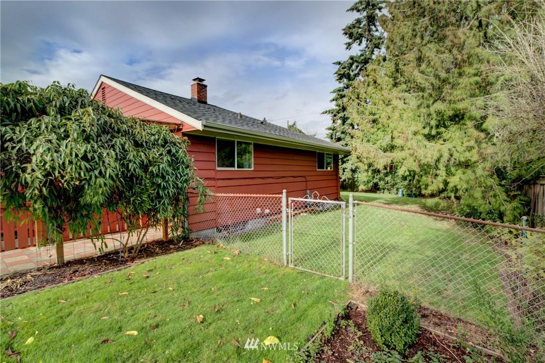 Sold Property   4035 NE 95th Street Seattle, WA 98115 20