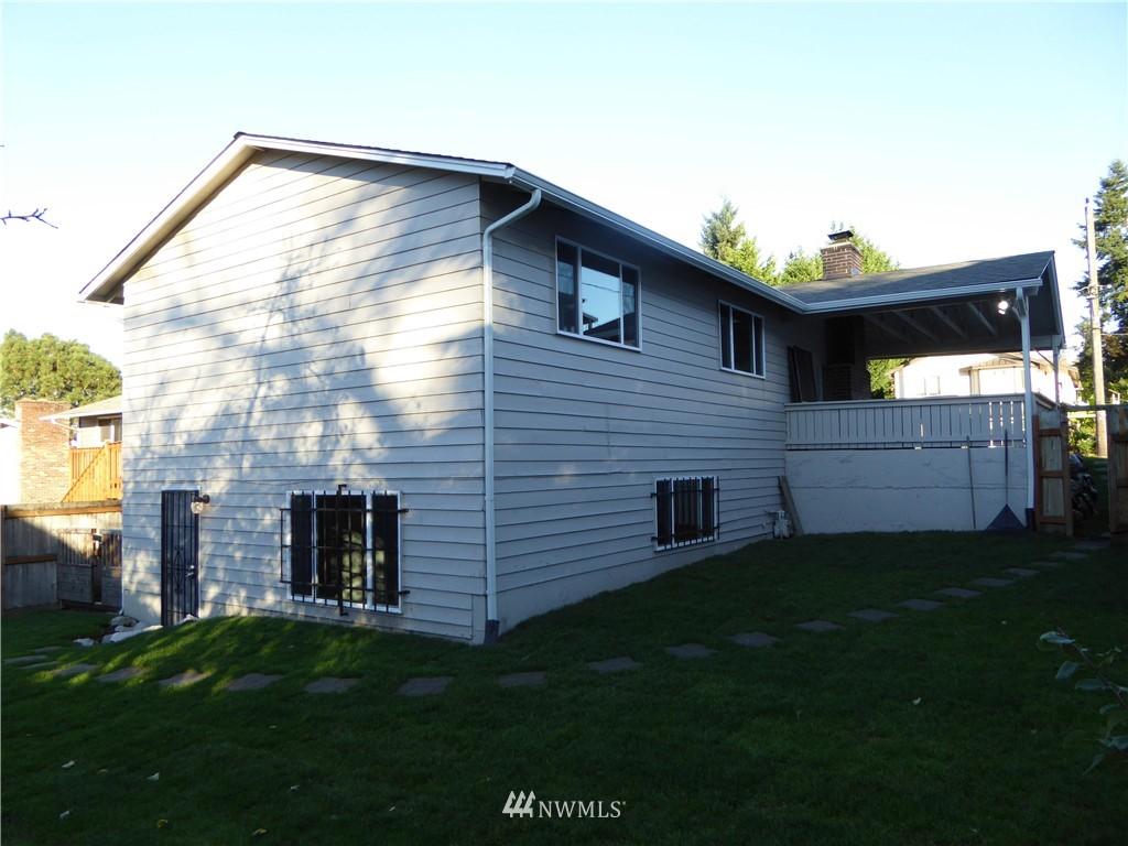 Sold Property | 9627 53rd Avenue S Seattle, WA 98118 2