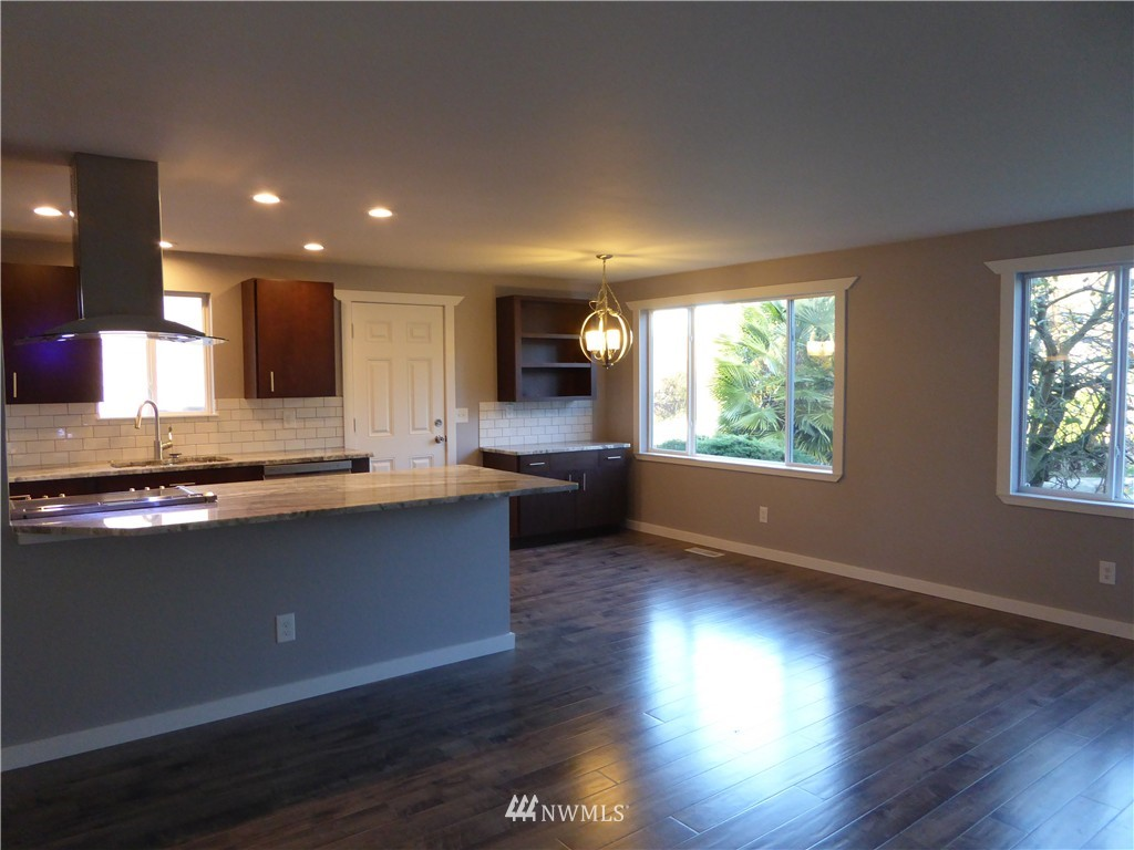 Sold Property | 9627 53rd Avenue S Seattle, WA 98118 3