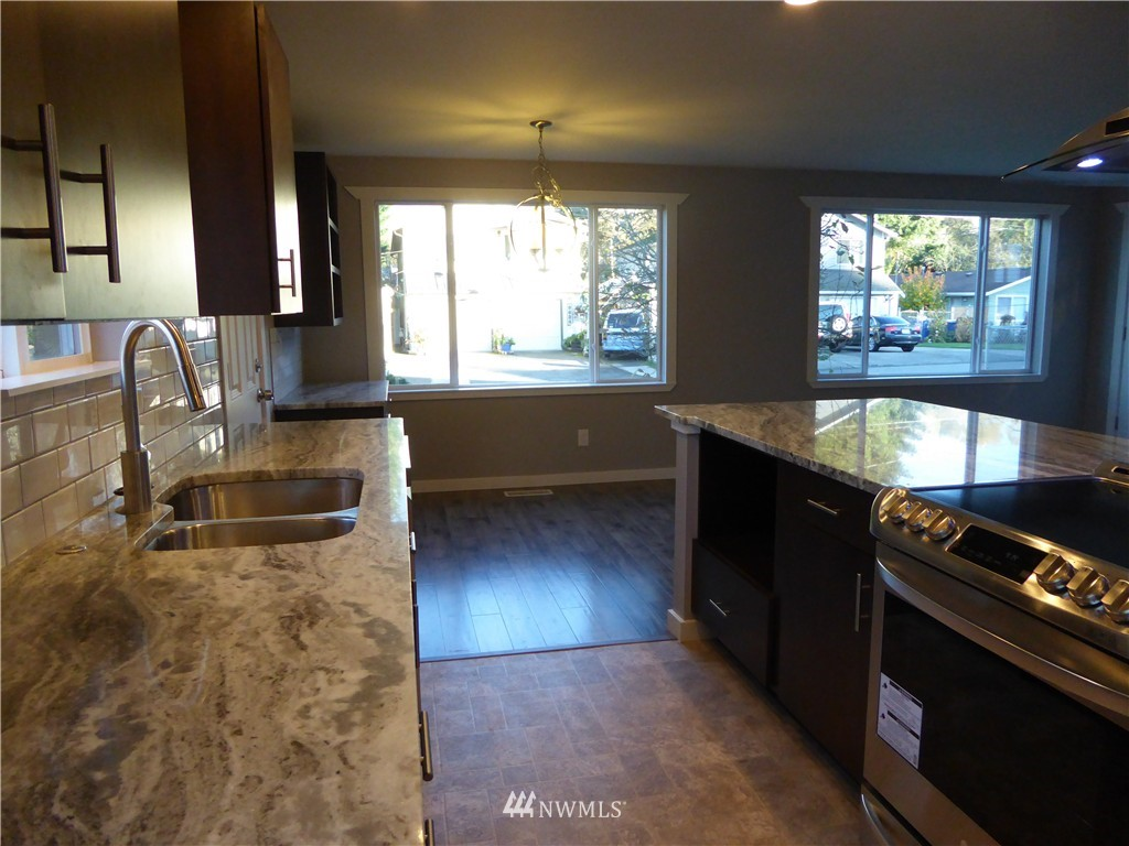 Sold Property | 9627 53rd Avenue S Seattle, WA 98118 4