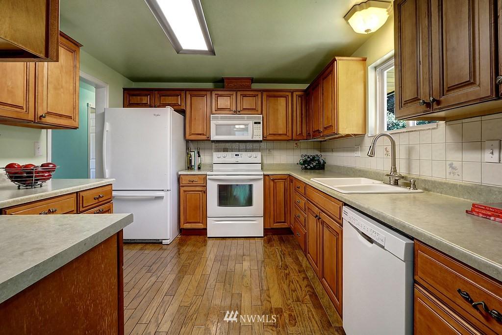 Sold Property | 4913 Vista Place Everett, WA 98203 10