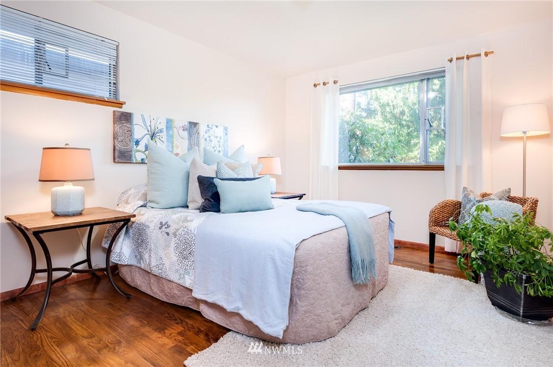 Sold Property   501 N 141st Street Seattle, WA 98133 12