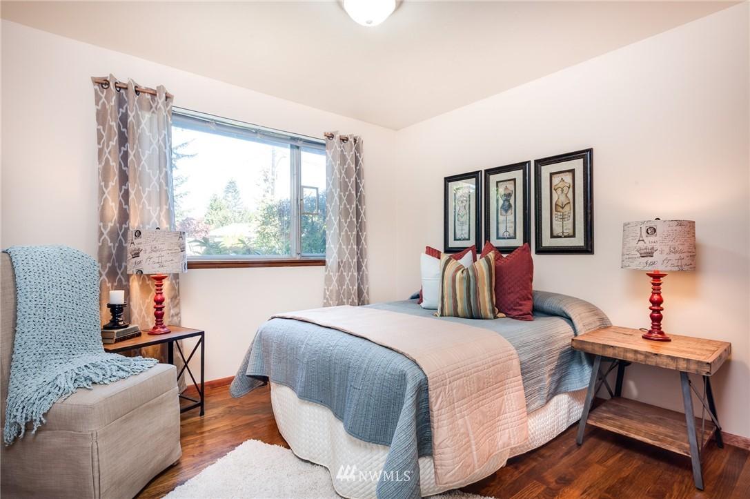 Sold Property   501 N 141st Street Seattle, WA 98133 13
