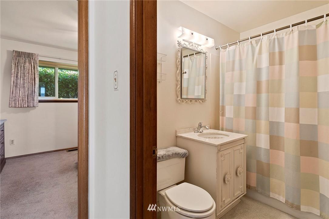 Sold Property | 5508 N 18th Street Tacoma, WA 98406 12