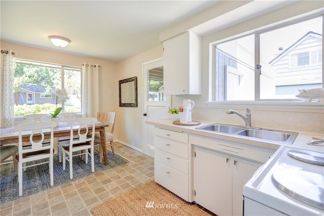 Sold Property   1241 N 172nd Street Shoreline, WA 98133 5