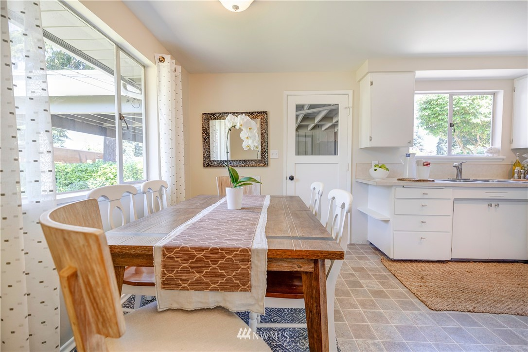Sold Property   1241 N 172nd Street Shoreline, WA 98133 7